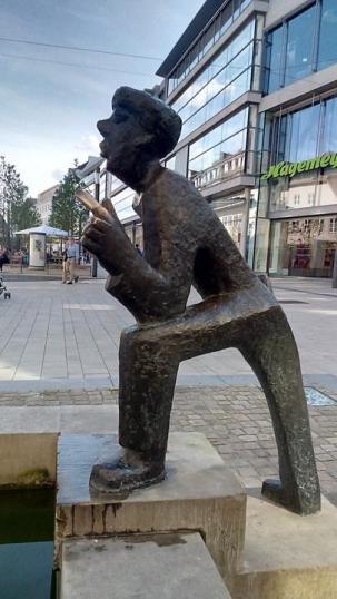 Skulptur in der Haupteinkaufsstraße