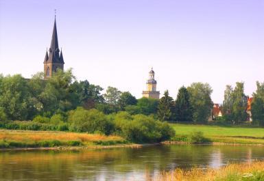 Blick über die Weser zur Altstadt von Rinteln