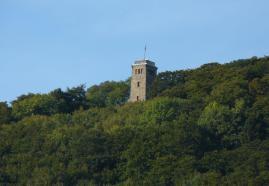 Klippenturm auf dem Luhdener Berg bei Rinteln
