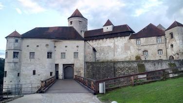 Die Hauptburg mit dem ersten und zweiten Burghof