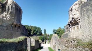 Sichtachse durch das alte römische Amphitheater