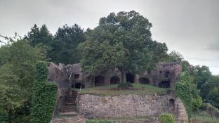 Reste der historischen Burganlage