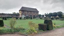 Orangerie mit Park
