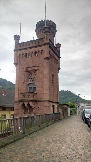 Der alte Postturm von Lambrecht
