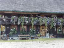 Typische Fassadengestaltung eines Schwarzwaldhofes