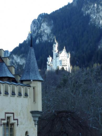Blick von Hohenschwangau hinauf nach Neuschwanstein