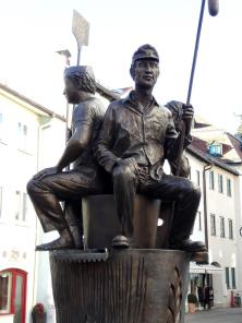 Skulptur am Stadtbrunnen