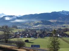 Blick von Sonthofen-Hochweiler hinunter nach Hinang