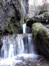 Die unterste Stufe des Wasserfalls