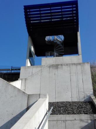 Aufstieg zum Aussichtspunkt am Oberbecken des Pumpspeicherwerks von Vianden