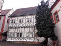 Fachwerkhaus im Innenhof der Burg