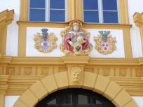 Amtsgebäude mit schöner Fassadenverzierung