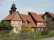 Ein Haus wie ein kleines Schloss im Ort Grünfeld