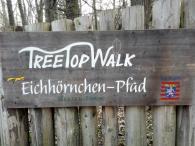 Schild am Baumwipfelpfad