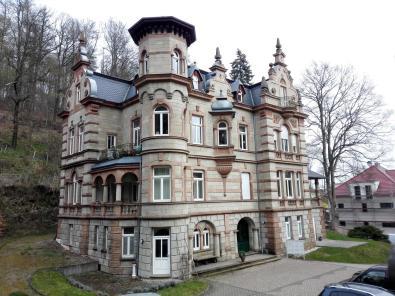 Imposantes Wohnhaus an der Schlossstraße