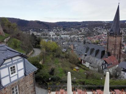 Blick hinunter in die Oberstadt von Marburg