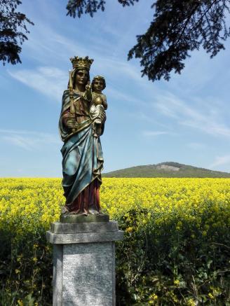 Marienfigur kurz vor Kirchhasel