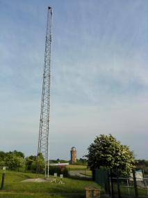 Mast für die Messung der Windgeschwindigkeit