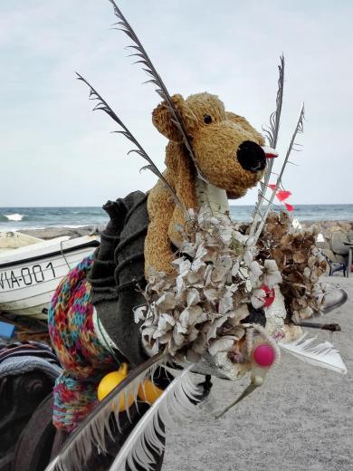 Kap Arkona: Maskottchen an einem Fischerboot