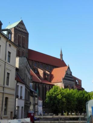Die wiederaufgebaute St.-Georgen-Kirche