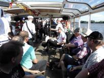 Mit einer Punk-Band auf Hafenrundfahrt