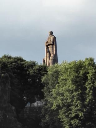 Das Bismarck-Denkmal im alten Stadtpark