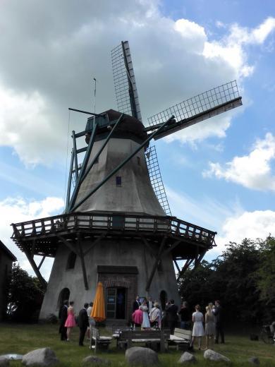 Eine Hochzeitsfeier an der Holländerwindmühle Fortuna