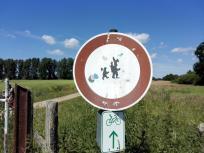 Was will uns dieses Schild wohl sagen?