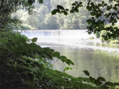 Wasserfall der Wupper kurz hinter dem Klärwerk von Burg