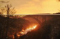 Die Müngstener Brücke im Sonnenuntergang (Foto: EveryPicture | http://commons.wikimedia.org | Lizenz: CC BY-SA 3.0 DE)
