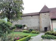 Parkanlage vor der historischen Stadtmauer