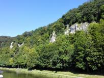 Die Donau hat sich bis zu 180 Meter tief in die Kalkfelsen eingefressen