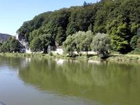 """Das sogenannte """"Klösterl"""", ein Franziskaner-Kloster mit einer Felsenkirche in einer natürlichen Höhle"""