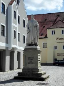 Denkmal für den Bayern-König Ludwig am Marktplatz