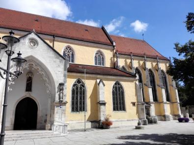 Kirchenschiff der Stadtpfarrkirche Mariä Himmelfahrt