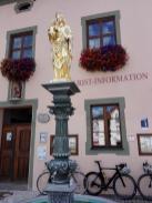 Heiligenfigur am Markt