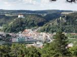 """Blick vom """"Schwammerl"""" hinunter nach Riedenburg"""
