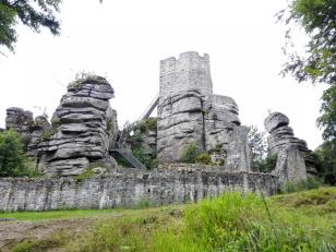 Burg Weißenfels von der Eingangsseite