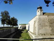 Die Festungsmauern von außen