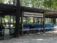 """Angefahren werden mehrere """"Bahnhöfe"""" innerhalb des Parks"""