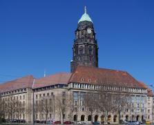 Das Rathaus von Dresden (Foto: X-Weinzar | http://commons.wikimedia.org | Lizenz: CC BY-SA 3.0 DE)
