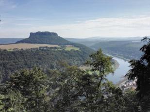 """Blick zum Berg """"Lilienstein"""""""