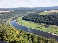 Hier schlägt die Elbe einen Bogen um den Lilienstein