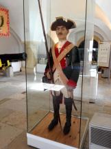 Soldat in der typischen Uniform seiner Zeit
