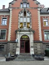 Portal am örtlichen Polizeigebäude