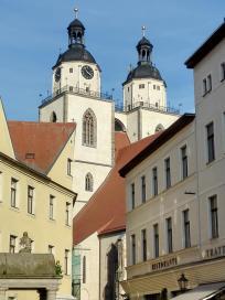 Blick vom Holzmarkt zur Stadtkirche