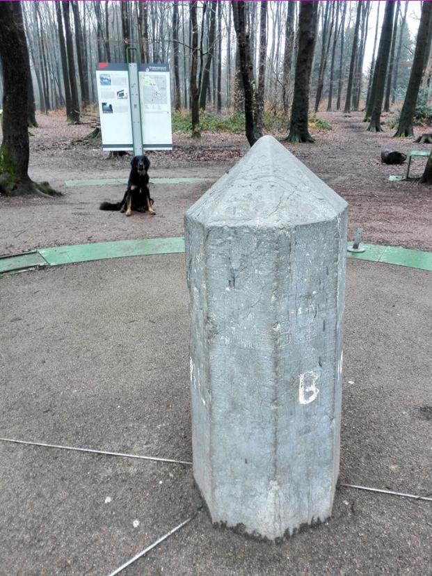 Der Dreiländerpunkt, an dem die Grenzen von Deutschland, Belgien und der Niederlande aufeinander treffen