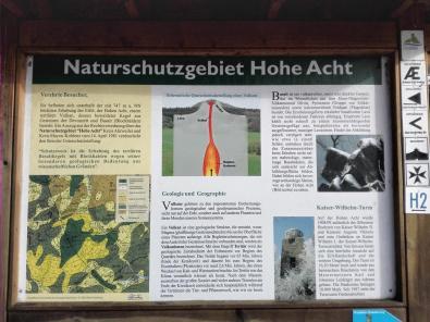 Infotafel unterhalb des Kaiser-Wilhelm-Turms