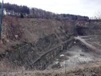 Steinbruch an einem Zementwerk