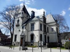Die Villa Lang gegenüber dem Rathaus